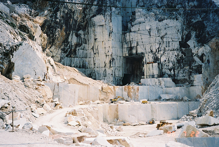 カッラーラ大理石採石場